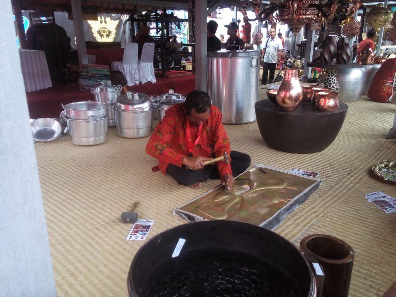 Supplier Kerajinan Tembaga dan Kuningan, Produk Kerajinan Logam  Boyolali Tembus Pasar Ekspor