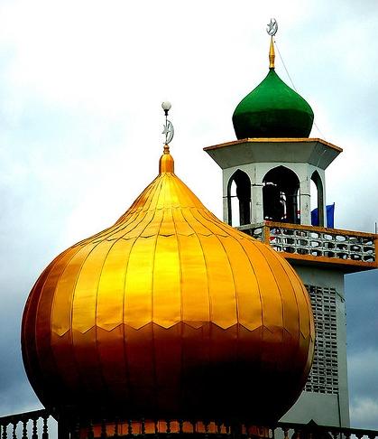kubah kuningan, harga kubah kuningan, pengrajin kubah kuningan, kubah masjid kuningan, lampu hias kuningan, lampu hias dari kuningan, lampu gantung kuningan kuno, lampu gantung kuningan, lampu gantung kuningan antik, lampu gantung kuningan juwana,
